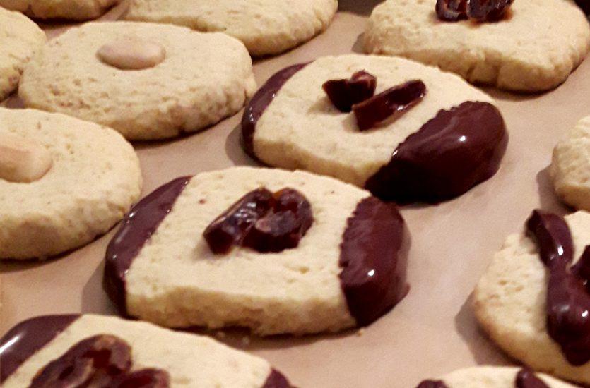 Weihnachtsplätzchen Mit Schokolade.Weihnachtsplätzchen Und Lebkuchen Mit Wildbach Schokolade Wildbach